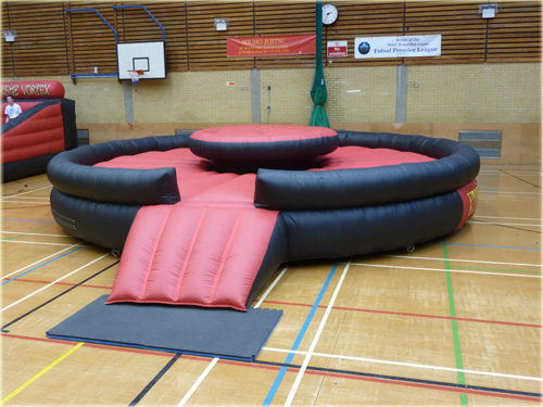 Inflatable bouncy boxing suitable for inflatable activity days